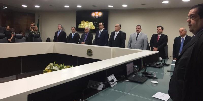 A cerimônia de posse aconteceu na Sala de Sessões do Tribunal, no Bairro das Graças, no Recife