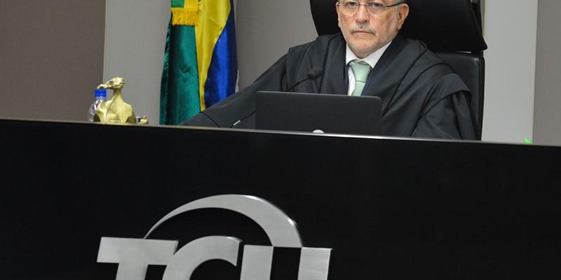 Aroldo Cedraz é acusado de receber dinheiro da empresa UTC Engenharia
