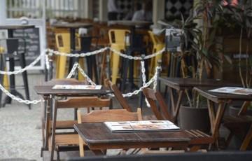 Donos de bares e restaurantes programam reação às medidas restritivas