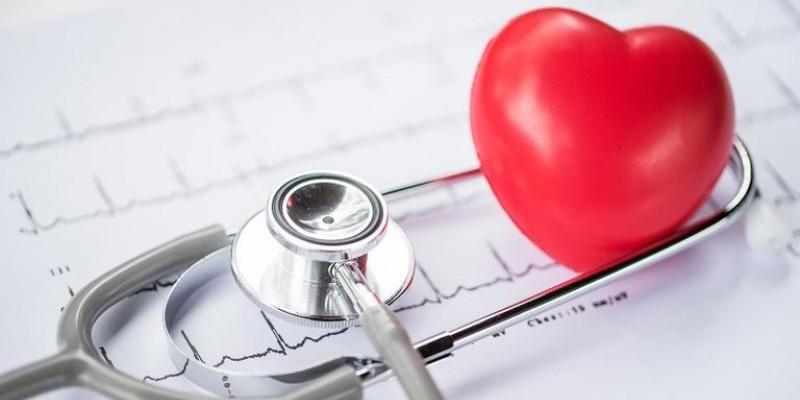 A cardiologista,Tieta Albanez, esclarece sobre esse tipo de gordura e suas implicações na saúde