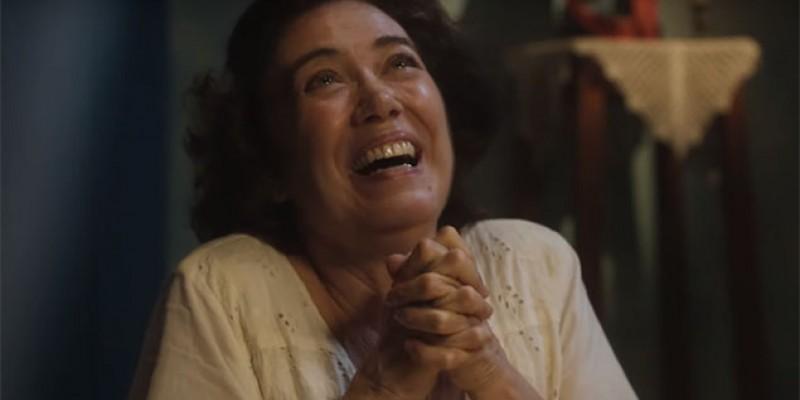Lilia Cabral não perde a liga da personagem
