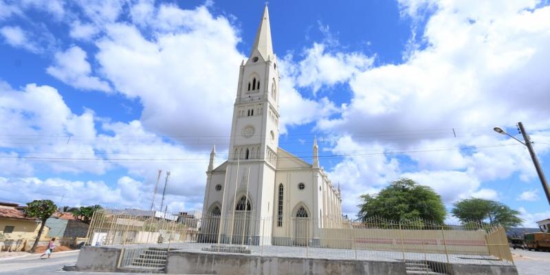 A cidade tem uma igreja dedicada à santa