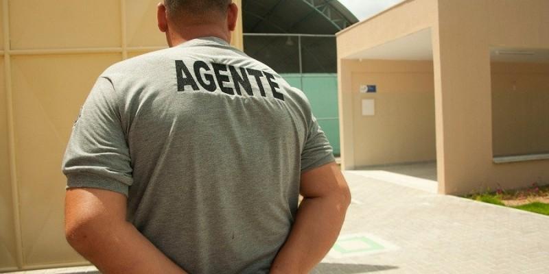 Para consultar a lista de convocados, os prazos e os dos documentos necessários para a apresentação o candidato deve acessar o site www.funase.pe.gov.br