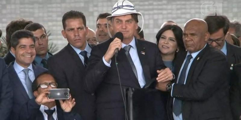 Em evento na Bahia, chefe do executivo cobrou apoio de gestores da região.