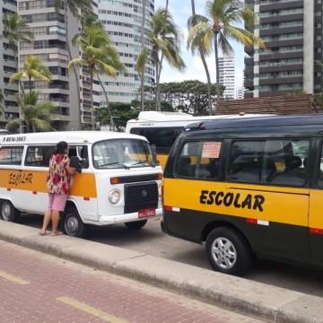 Motoristas de Transporte Escolar realizam Protesto em Boa Viagem