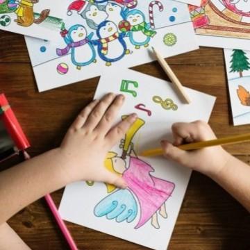 Movimento Pró-Criança recebe doações de material escolar para ajudar alunos de artes visuais