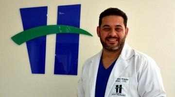 Dr. Sidney comemora cirurgias vasculares no Jesus Pequenino