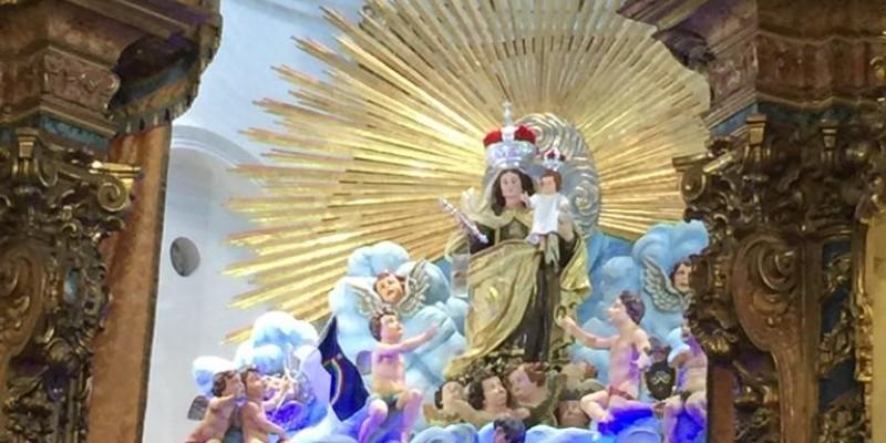 Entre as novidades, a imagem da Santa que foi coroada há 100 anos será retirada do altar da Basílica do Carmo e seguirá em procissão pelas principais vias do Recife.