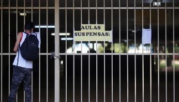 Professores da rede estadual de PE deflagram greve