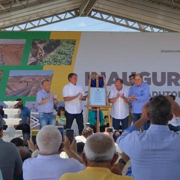 Bolsonaro inaugura trecho de obra de abastecimento no Sertão de Pernambuco