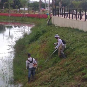 Reeducandos do sistema prisional ajudam na limpeza, manutenção de parques e consertos de brinquedos, no Recife