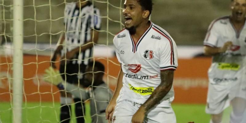 Lourenço marcou de cabeça e garantiu o gol da vitória Coral em cima do Treze. Partida terminou com placar de 0 x 1