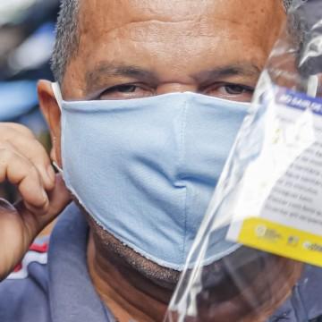 Recife inicia distribuição de máscaras para a população