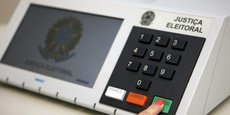A poucos dias das eleições, o Tribunal Regional Eleitoral está reforçando as centrais de atendimento para resolver pendências, esclarecer dúvidas e questionamentos dos eleitores