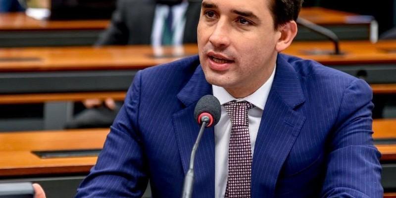 O deputado federal (Republicanos) retirou sua candidatura à prefeitura do Recife e afirma que pode haver diálogo com o candidato do PSB, João Campos