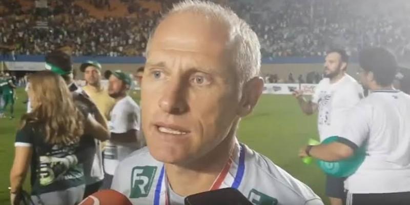 Treinador deve chegar a Caruaru na madrugada desta quinta-feira (20)