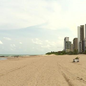 Primeiro dia de novas restrições de combate à Covid-19 em Pernambuco tem comércio e praias vazios
