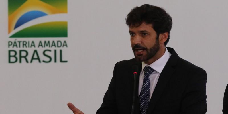 O novo ministro é Gilson Machado, que comandava a Embratur