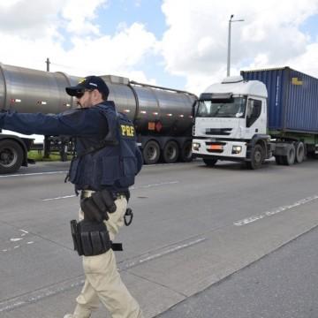 PRF-PE intensifica fiscalização nas rodovias federais