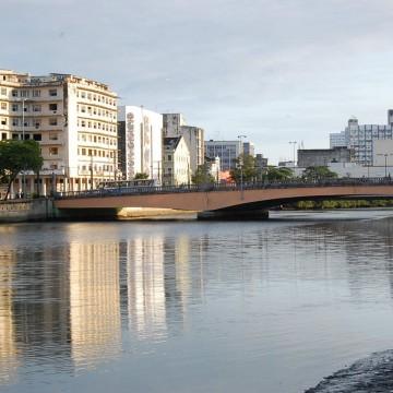 Ponte Duarte Coelho é interditada para montagem do Galo