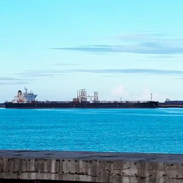 Navio está atracado em Suape com tripulante contaminado por covid-19