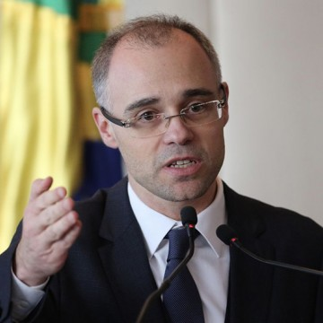 AGU participa de ato de assinatura de termo aditivo de cessão onerosa