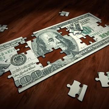 Dólar volta a bater recorde, mas bolsa recupera-se e sobe