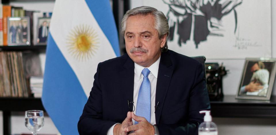 Presidente da Argentina diz que 'brasileiros vieram da selva'