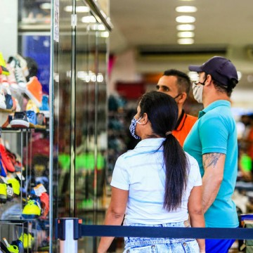 Índice de intenção de consumo das famílias pernambucanas volta a crescer