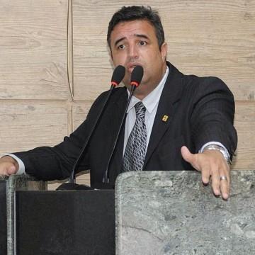 """""""Se o Agreste é a dificuldade, eu acho que os olhos do governo do estado tem que se focar aqui"""", diz Bruno Lambreta"""