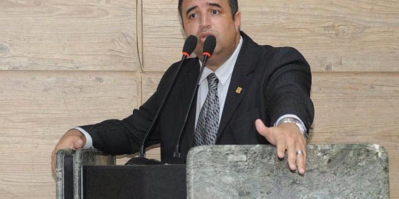 O vereador e presidente da Câmara Municipal de Caruaru, também comentou sobre o auxílio aos artistas do município
