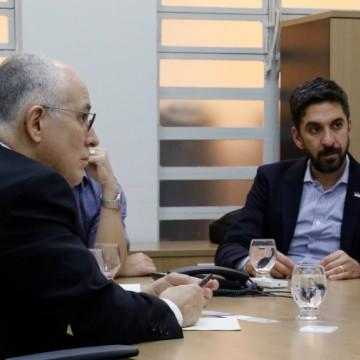 Empresa italiana vem a Pernambuco formalizar interesse em projetos de eficiência energética