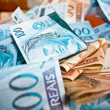 Trabalhador pode requerer que o décimo terceiro salário seja pago com as férias