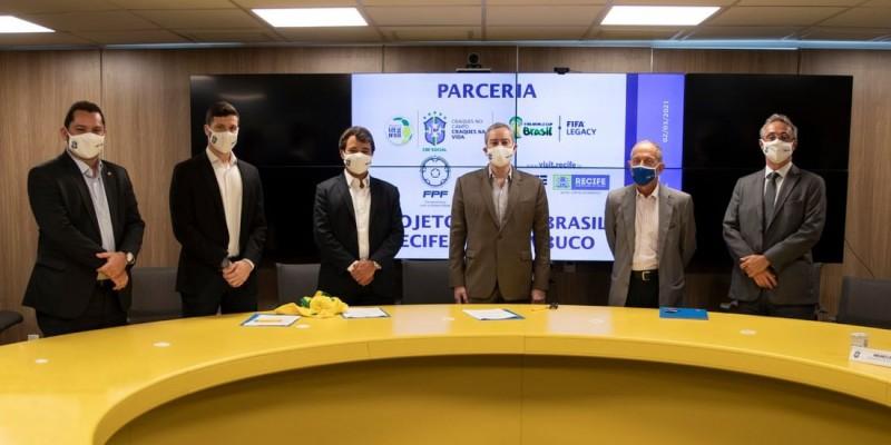 O documento foi assinado no Rio de Janeiro, e o projeto será iniciado apenas com a redução de números da pandemia