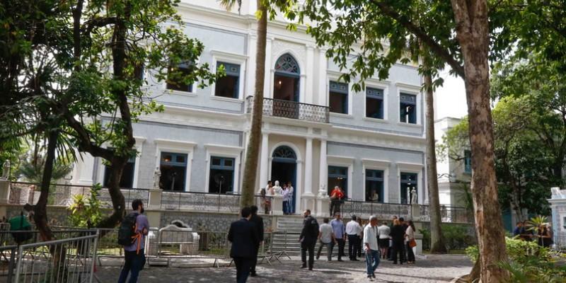 As gravuras estão no Centro de Documentação e de Estudos da História Brasileira Rodrigo Melo Franco de Andrade