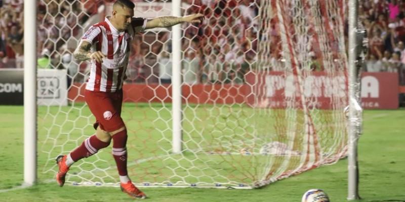 Rafael Oliveira fez o único gol doTimbu