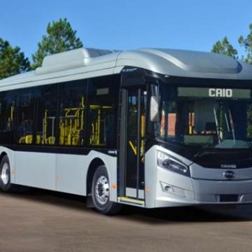 Ônibus elétrico circula em fase de teste no Recife