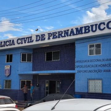 Dois policiais militares foram presos com armas e uniformes da Polícia Federal apreendidos
