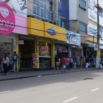 Sindloja orienta lojistas sobre funcionamento do comércio de Caruaru no feriado do dia 12 de outubro