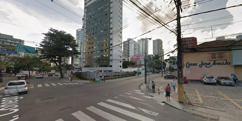 Os motoristas que estão na Rua Cônego Barata não poderão acessar a Estrada do Arraial e devem realizar o desvio pela Rua Padre Lemos