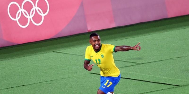 Malcom Filipe decide na prorrogação e garante vitória na final da Olimpíada. Seleção conquista medalha de ouro no mesmo estádio do penta em 2002