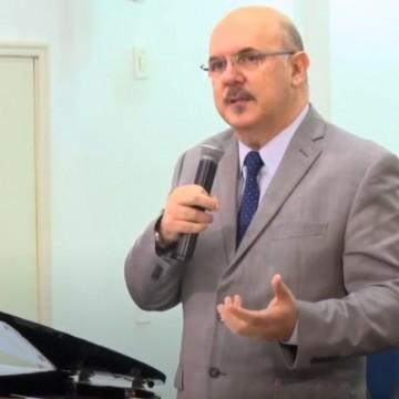 Ministro da educação pede desculpas após declaração polêmica sobre pessoas com deficiência