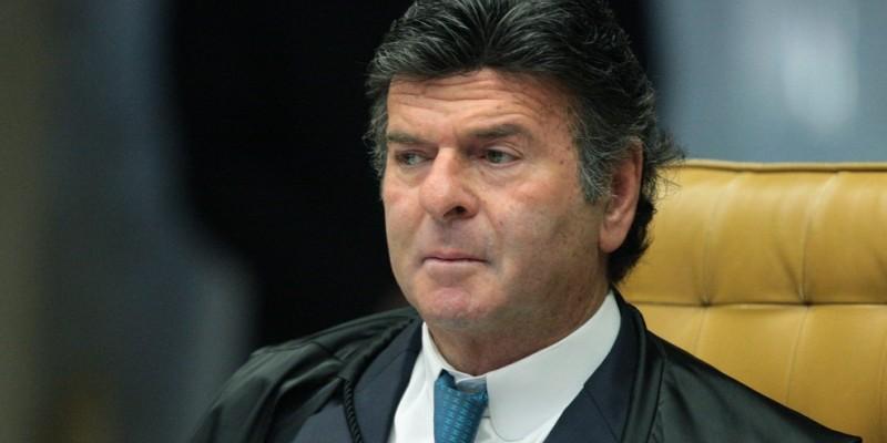 Luiz Fux, acolheu recurso apresentado pela PGE-PE e suspendeu, na última segunda-feira (22), liminares que autorizavam a realização de culto religioso presencial em igreja evangélica no Recife