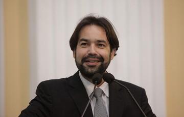 Diogo Moraes cobra solução para o pessoal do transporte alternativo