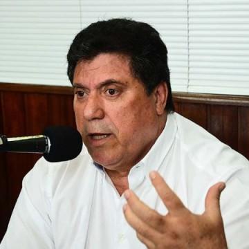 Prefeito do Cabo de Santo Agostinho é internado no Recife com covid-19
