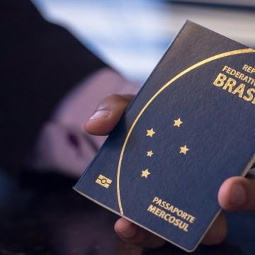 Polícia Federal alerta para cobrança de taxa extra na emissão de passaporte