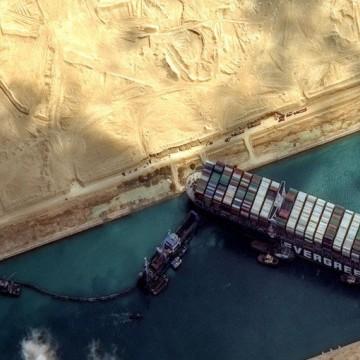 Caso do Canal de Suez e a dependência da economia global