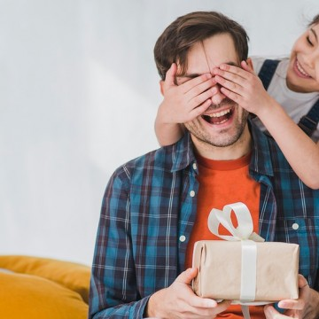 Sondagem do Fecomércio revela intenção de celebrar e comprar presentes no Dia dos Pais