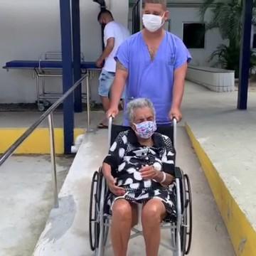 Idosa de 101 anos se cura da Covid-19 no Recife