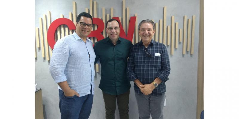 O debate foi realizado com Lula Tôrres, Presidente da Câmara de Caruaru, e com o Cientista Político, Marconi Aurélio